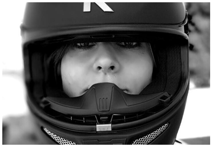 MOTORCYCLE-HELMET-FITTING5.jpg