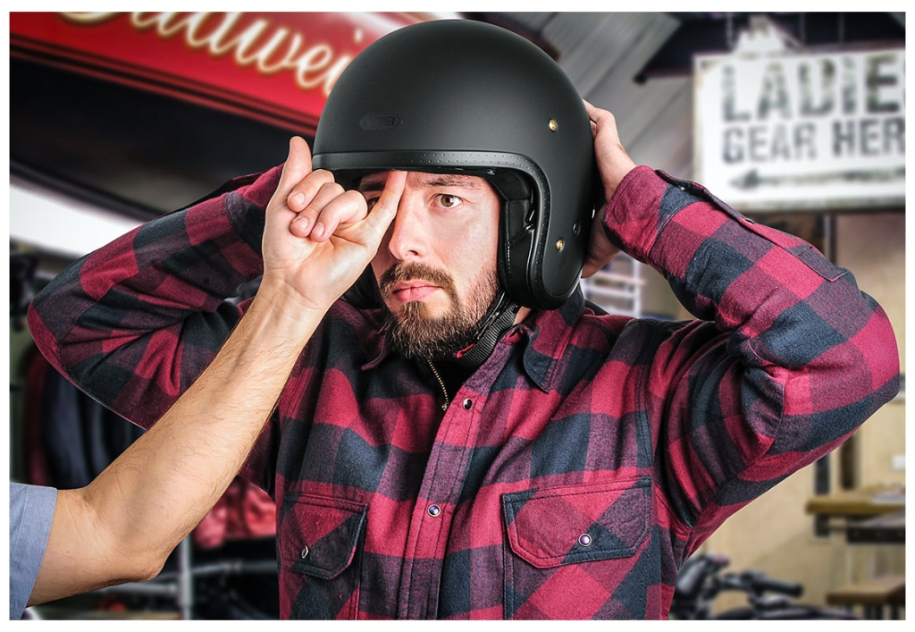 MOTORCYCLE-HELMET-FITTING4.jpg